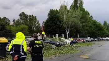 Desde el Ayuntamiento advierten a los vecinos que eviten parques y cubiertas con riesgos de desprendimiento