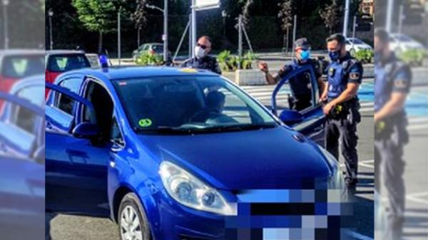 Dos individuos fueron intervenidos por poseer artículos policiales de manera ilícita