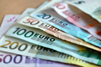 ¿Tú qué harías si te encontraras un sobre con dinero por la calle?