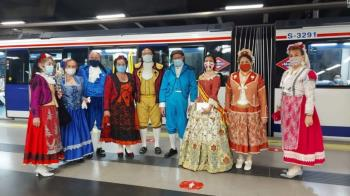 Así han celebrado unos viajeros en el día de la Comunidad de Madrid