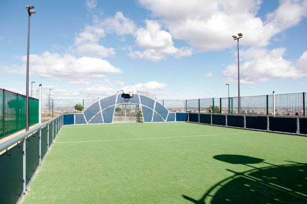 Las pistas serán una multideportiva de fútbol sala y balonmano y otra de baloncesto