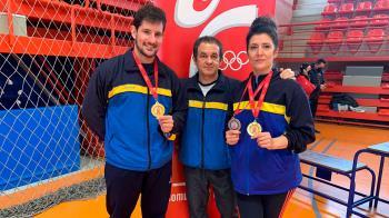 Beatriz Castellanos y Jose María González han logrado las medallas en la categoría máster 2 y en trío sincronizado