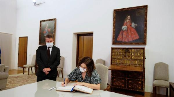 La jefa del Gobierno regional se reunió con el presidente de Castilla-La Mancha, Emiliano García-Page, para abordar este y otros proyectos