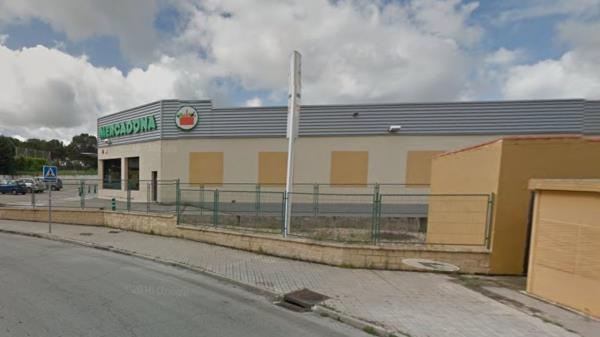 El alcalde confirma que Mercadona quiere reconvertir su supermercado de El Bosque a un centro de venta on line