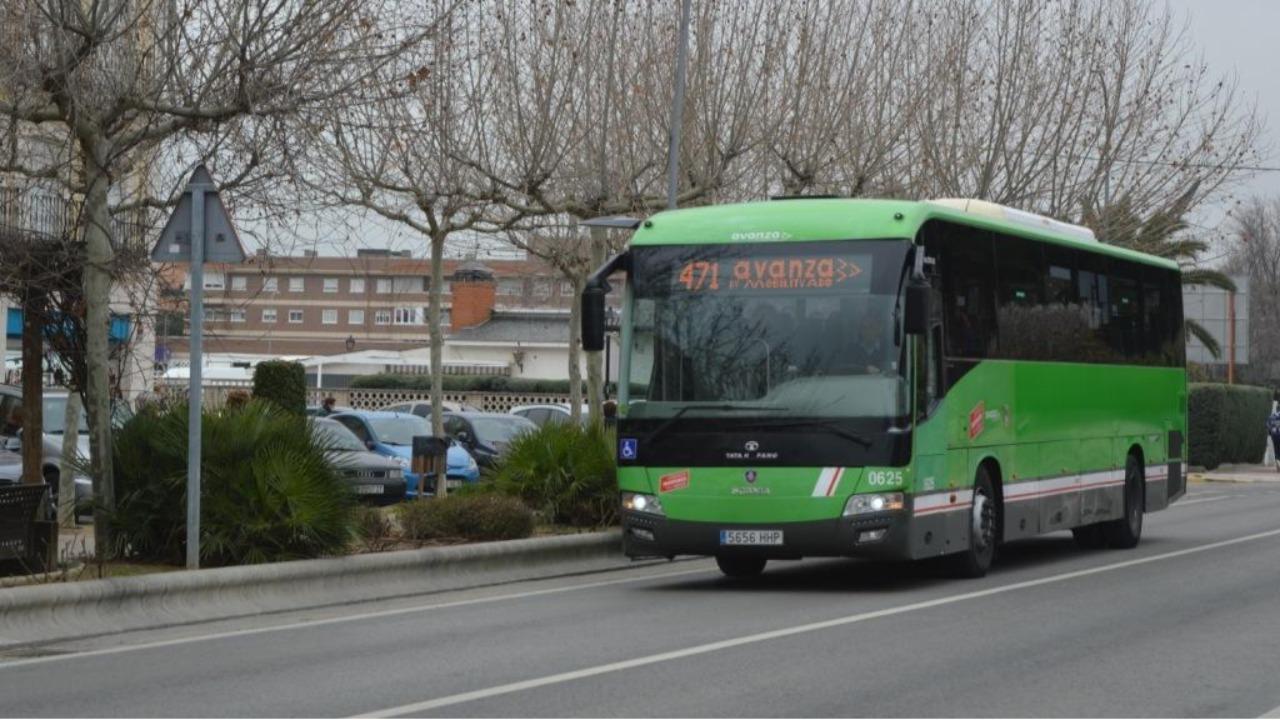 Se quiere que pase por la oficina de empleo de Fuenlabrada y termine en el Centro Comercial Plaza Loranca 2