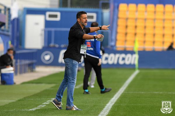 La etapa del entrenador gaditano en Santo Domingo ha durado, tan solo, dos meses