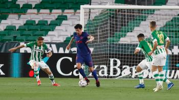 Los colchoneros tropezaron y consiguieron un punto que les mantiene por delante del Madrid y el Barça