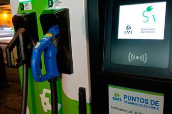 Se implantarán nuevos puntos de recarga para vehículos eléctricos, tras el aumento de coches y motos eléctricos en Madrid