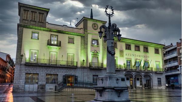 El Ayuntamiento de Colmenar Viejo se tiñe de verde contra la ELA
