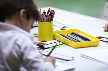 El plazo de escolarización finaliza el 5 de junio. El Servicio de Apoyo a la Escolarización (SAE) se encuentra en el polideportivo Navalcarbón