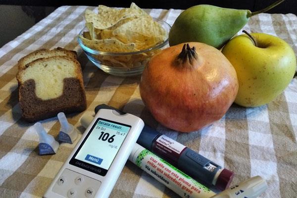 Otros alimentos o bebidas, como los snacks o el alcohol, pueden influir negativamente en el control de la enfermedad