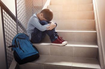 Debemos educar con respeto a nuestros hijos, enseñarles a no reaccionar con indiferencia ante el acoso