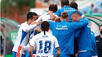 Nuestra primera plantilla ganó al CF Villanovense por 0-2 y logra estar en la siguiente división en la temporada 2021/2022