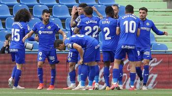 Los azulones lograron ganar al Levante por 2-1 y así aseguran estar en Primera el próximo curso
