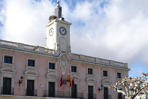 El ministro de sanidad emitirá una orden por la que prohibirá la entrada y salida del municipio