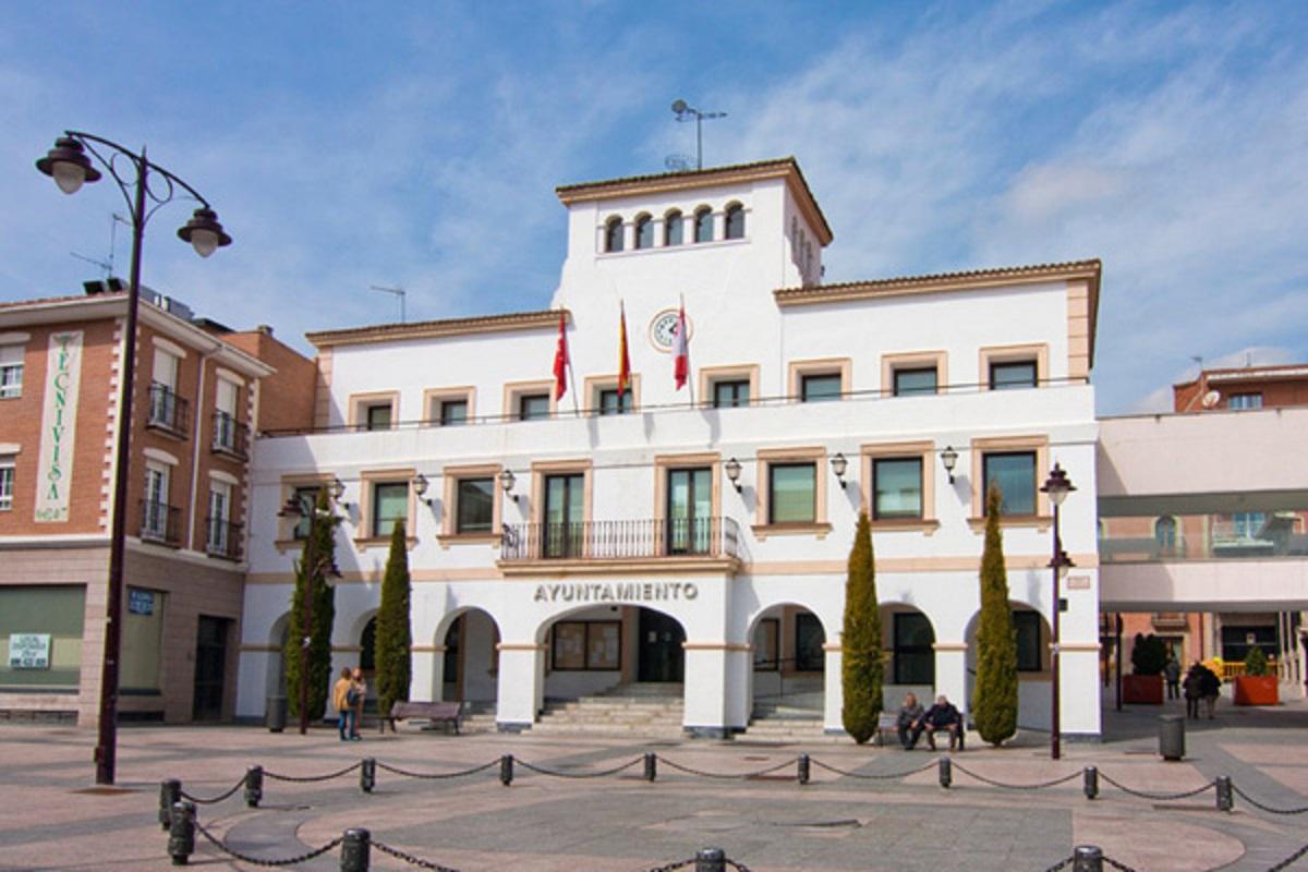 Mediante una carta a la presidenta de la Comunidad, el Gobierno municipal expresa la ineficiencia y problemas de las restricciones