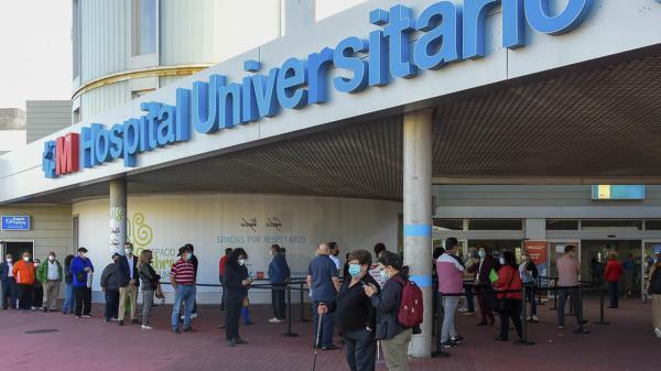 El Hospital Universitario de Torrejón continúa la campaña de vacunación con los mayores de 40 años