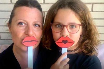 Lee toda la noticia 'El Hospital de Torrejón lanza besos a sus niños '