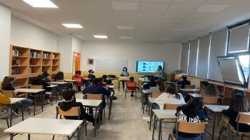 El proyecto está dirigido a chicos y chicas de 13 y 14 años del equipo de baloncesto municipal y del IES Juan Bautista Monegro