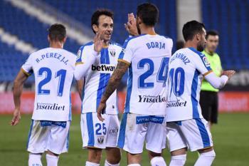 Borja Bastón y José Arnaiz dieron los tres puntos a los nuestros con sendos goles
