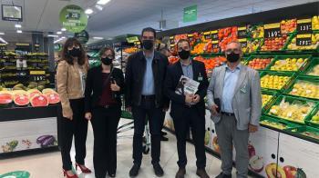 El concejal de Urbanismo de Alcalá, Alberto Blázquez, ha acudido a su inauguración en la calle Ernesto Sábato