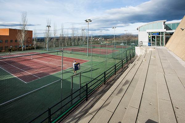 También se ha reabierto la Pista de Atletismo de Navalcarbón