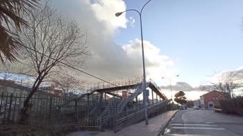 Esta vía lleva casi un año cerrada al público por su estado de deterioro