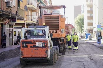 El asfaltado comenzó a principios de septiembre y cuenta con casi un millón de euros de presupuesto