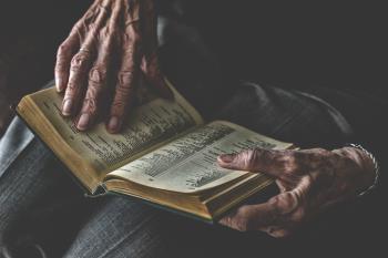 La agrupación popular solicita esta clemencia por utilizar a personas mayores y recursos públicos para enfrentarse a la comunidad