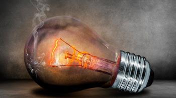 FACUA exige que se modifique el sistema de fijación de tarifas mayoristas del mercado eléctrico