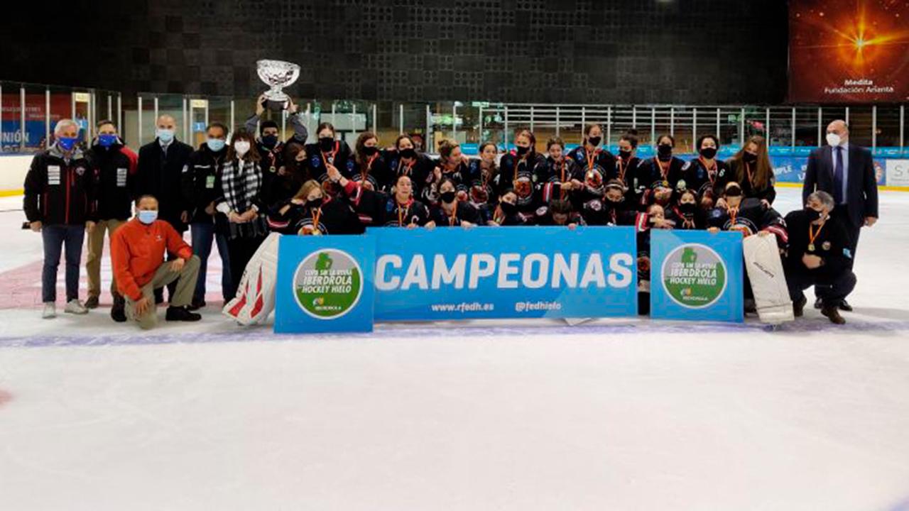 El pasado marzo las chicas acabaron líderes de La Liga de hockey hielo