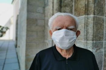 Acusó a Sanidad de establecer criterios de selección para el traslado de mayores con COVID-19 a hospitales