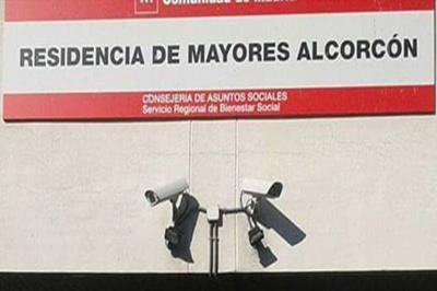 Lee toda la noticia 'El TSJM ordena a Madrid medicalizar de inmediato cuatro residencias de Alcorcón'