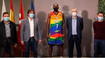 La campaña realizada por el Ayuntamiento de Fuenlabrada es apoyada por los equipos locales de fútbol y baloncesto