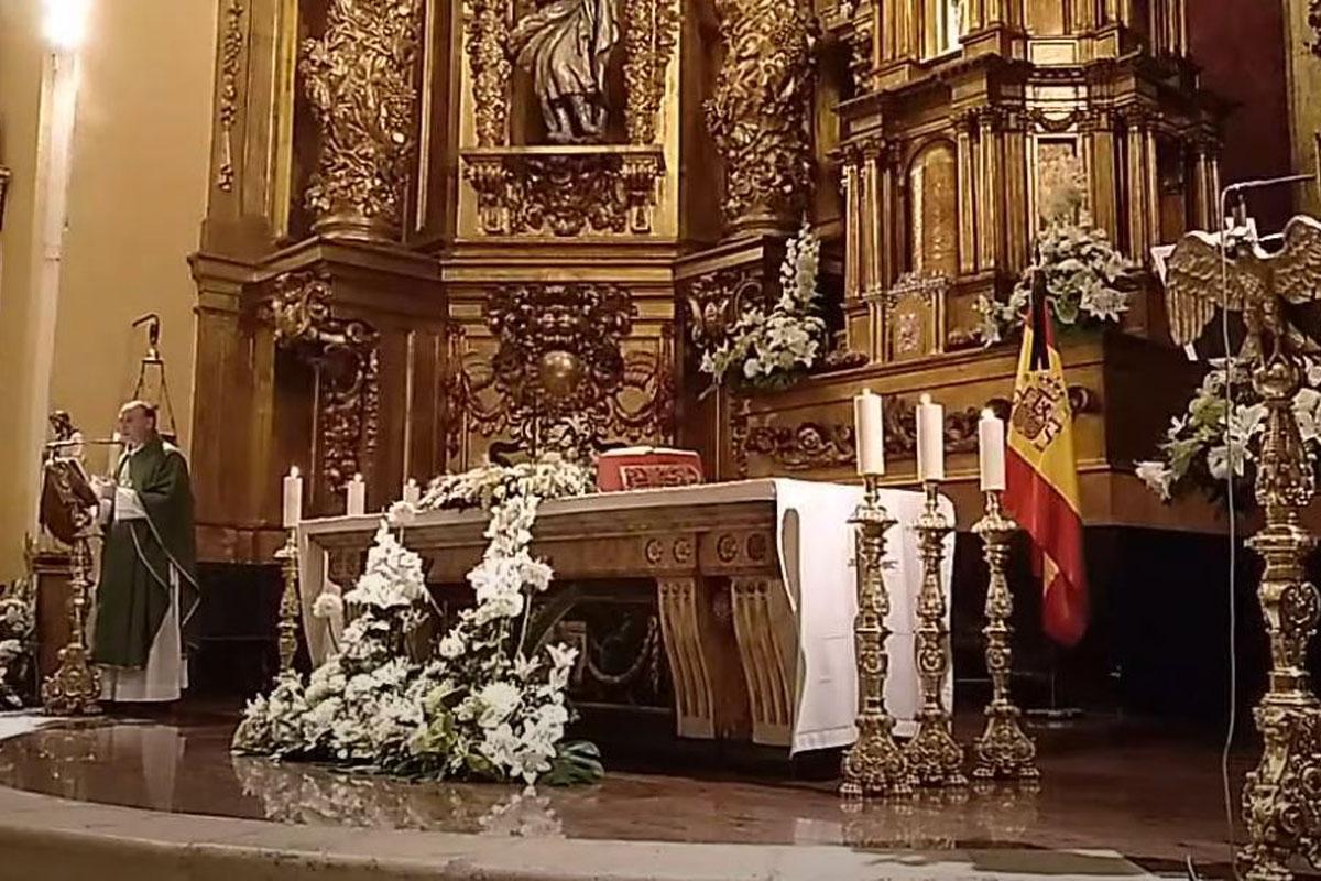 El viernes 26 de junio a las 20:00h se celebra la misa presidida por el obispo D. Ginés García Beltrán