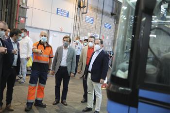 El alcalde de Madrid ha visitado este martes el Centro de Operaciones de la EMT