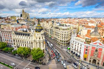 La capital se vuelca con los peatones y corta al tráfico 27 calles que suman más de 14,7 kilómetros