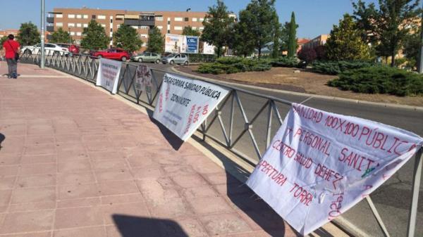 La Comunidad de Madrid evita que se cuelguen carteles por la Sanidad Pública en el Hospital Infanta Sofía
