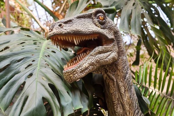 Más de 100 dinosaurios llegan a Madrid en una gran exposición al aire libre