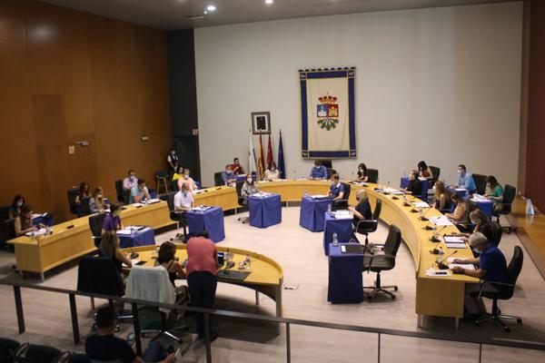 El Pleno pide destinar todo el ahorro municipal a la reconstrucción de la ciudad