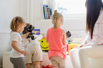 El Gobierno local contratará profesionales socioeducativos para que se ocupen de los niños en sus propios hogares