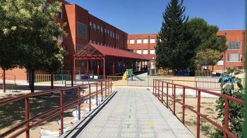 Para favorecer la conciliación, los más pequeños pueden asistir a actividades y juegos organizados en algunos centros escolares