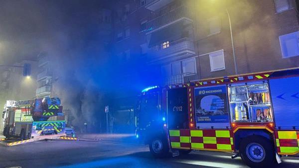 El fuego se desató en un almacén textil situado en la calle Silvio Abad