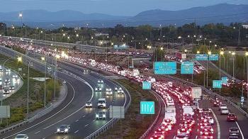 El alcalde ha pedido perdón por la concentración de coches de los últimos días en la capital