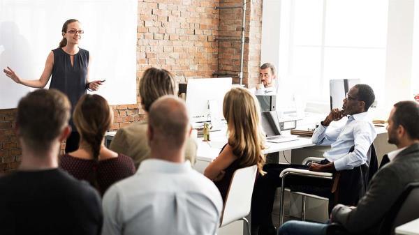 Te señalamos en detalle más ventajas de aprender un idioma para los negocios.