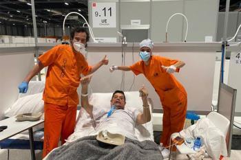 El director del Hospital de Campaña Ifema, Antonio Zapatero, comparte un descenso de hospitalizaciones y un aumento de altas