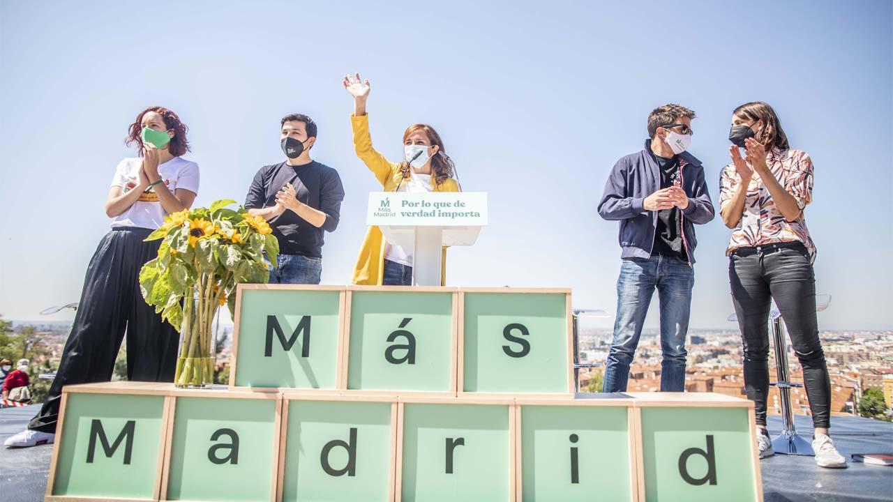 El líder de Más Madrid ha querido reunirse con sus compañeros en el municipio para conocer de primera manos las necesidades de los vecinos