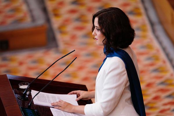 La comparecencia de la presidenta regional se ha retrasado en dos ocasiones a lo largo del día