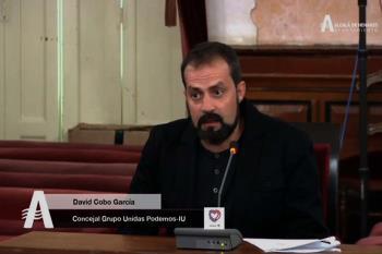 El concejal del partido, David Cobo, y otro militante fueron increpados con insultos por un joven neonazi