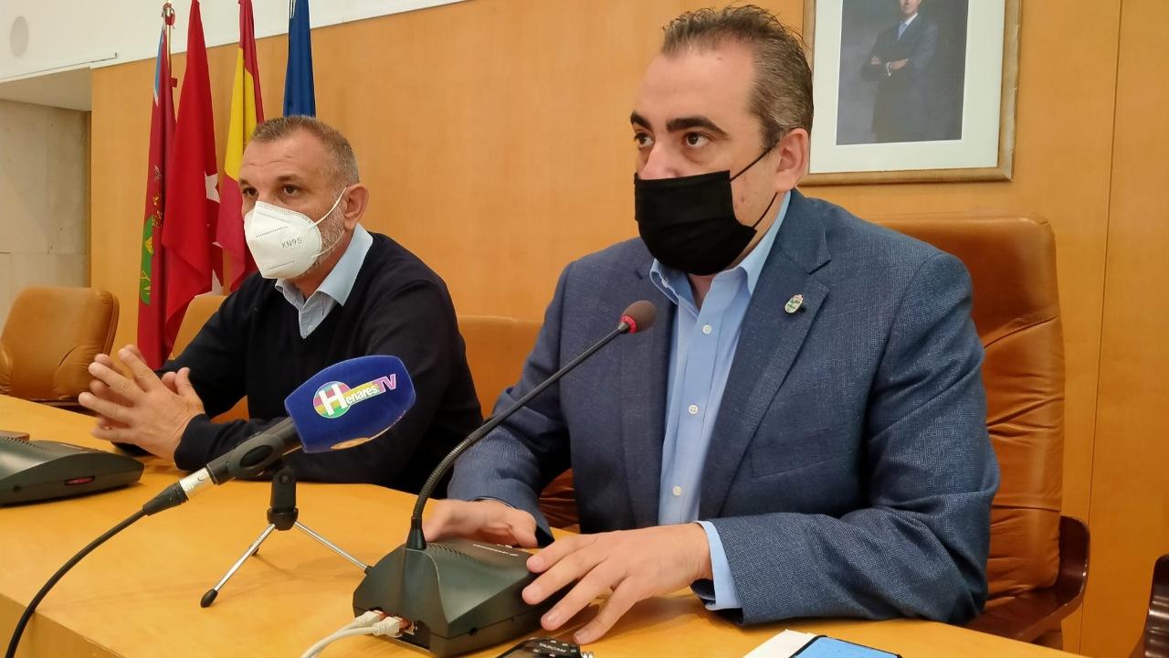 El alcalde habla también del rechazo de la presidenta autonómica al ofrecimiento que lanzó sobre cesión de espacios para la vacunación